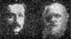 Портреты Альберта Эйнштейна и Чарльза Дарвина, созданные бактериями